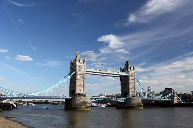 tower-bridge-1405918_640